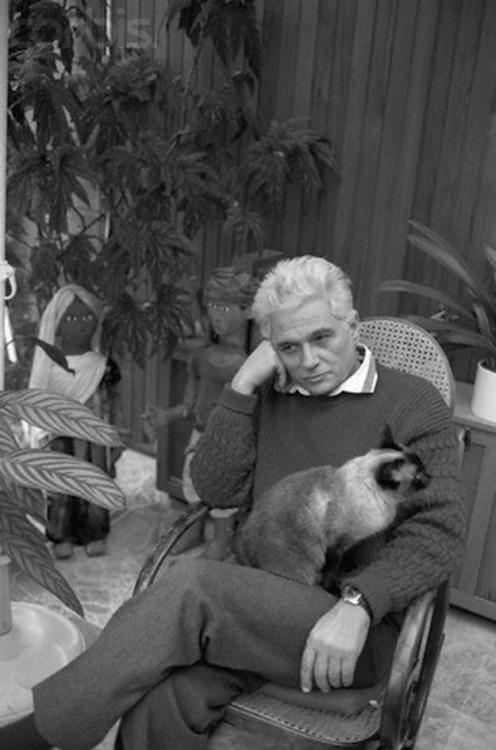 derrida and cat.jpg